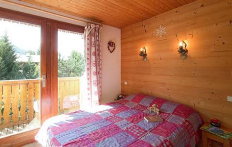 Rent in ski resort Chalet Sabot de Vénus - Les 2 Alpes - Bedroom
