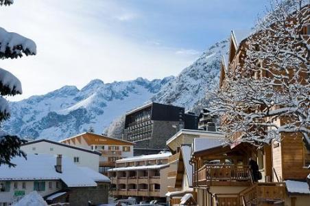 Location au ski Hotel Ibiza - Les 2 Alpes - Extérieur hiver
