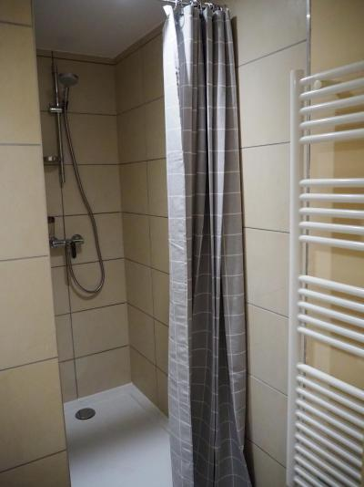 Rent in ski resort 3 room apartment cabin 8 people - La Résidence - Les 2 Alpes - Shower