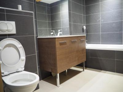 Rent in ski resort 5 room duplex apartment cabin 10 people - La Résidence - Les 2 Alpes - Bath-tub