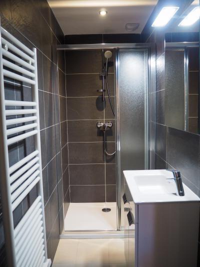 Rent in ski resort 5 room duplex apartment cabin 10 people - La Résidence - Les 2 Alpes - Shower