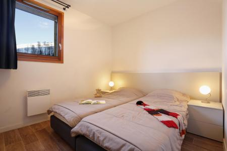 Rent in ski resort Résidence Au Coeur des Ours - Les 2 Alpes - Single bed