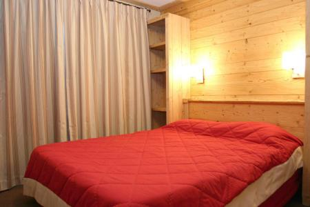 Rent in ski resort Résidence Cortina - Les 2 Alpes - Double bed