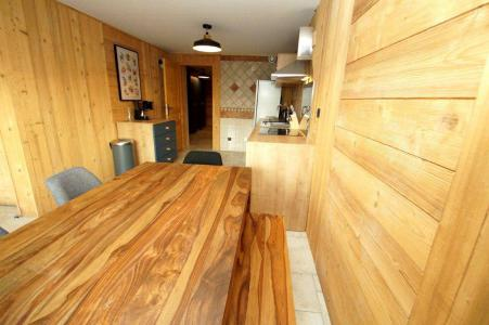 Rent in ski resort 2 room apartment sleeping corner 8 people (204) - Résidence Les Marmottes - Les 2 Alpes - Table