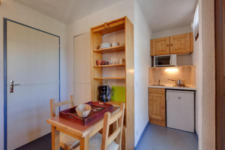 Rent in ski resort Studio 2 people - Résidence Plein Sud - Les 2 Alpes - Kitchenette