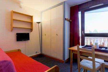 Rent in ski resort Studio sleeping corner 4 people - Résidence Plein Sud - Les 2 Alpes - Living room