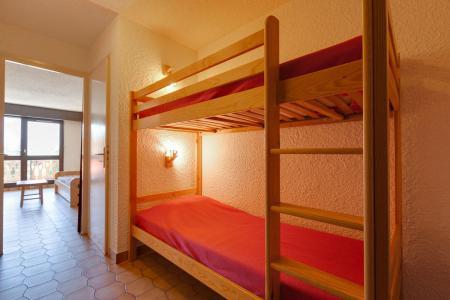 Rent in ski resort 2 room apartment sleeping corner 6 people - Résidence Saint Christophe - Les 2 Alpes - Sleeping area