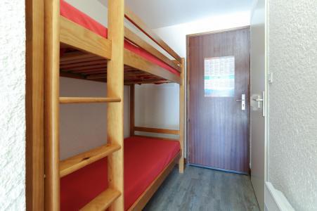 Rent in ski resort Studio sleeping corner 4 people - Résidence Saint Christophe - Les 2 Alpes - Bed
