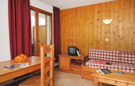 Rent in ski resort 2 room apartment 4 people (Prince des Ecrins) - Résidences Goelia les Balcons du Soleil - Les 2 Alpes - Sofa-bed