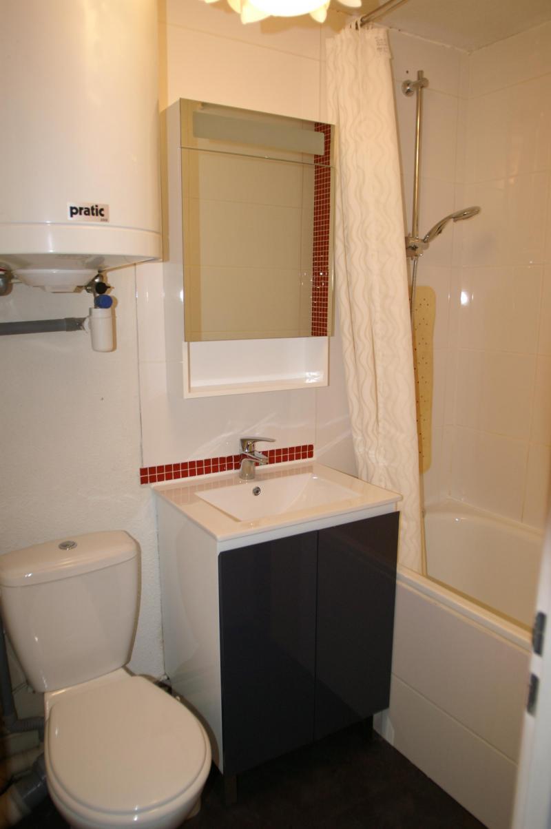 Location au ski Appartement 2 pièces 5 personnes (standard) - Résidences Prapoutel les 7 Laux - Les 7 Laux - Salle de bains