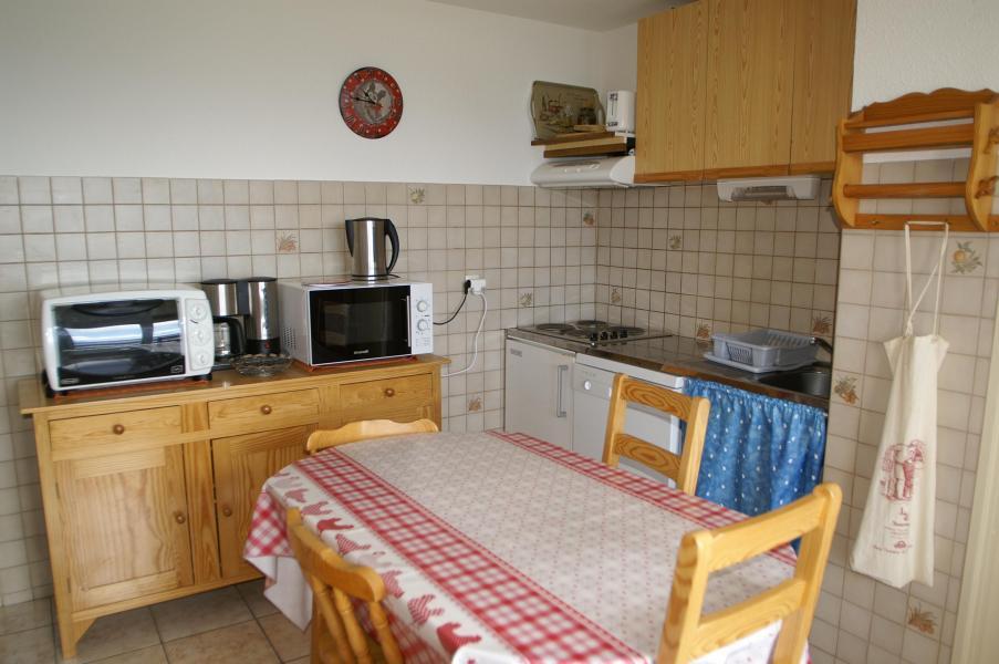 Location au ski Appartement 2 pièces cabine 6 personnes (standard) - Résidences Prapoutel les 7 Laux - Les 7 Laux - Salle à manger