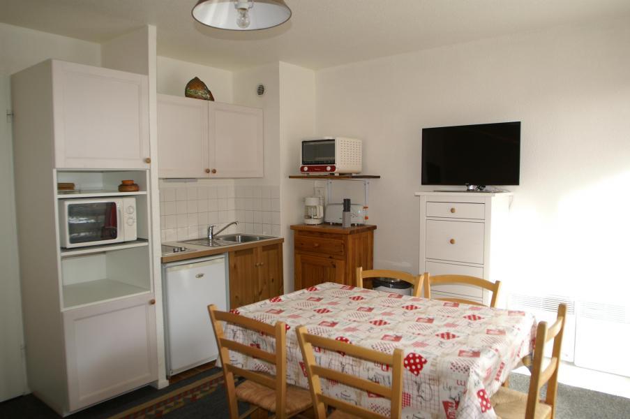 Location au ski Studio cabine 4 personnes - Résidences Prapoutel les 7 Laux - Les 7 Laux - Salle à manger