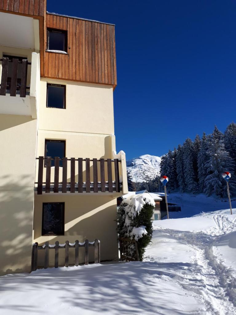 Аренда на лыжном курорте VVF Villages le Massif de Belledonne - Les 7 Laux - зимой под открытым небом