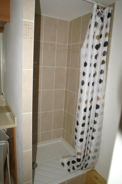Alquiler al esquí Apartamento 3 piezas cabina duplex para 10 personas - Résidence les Granges des 7 Laux - Les 7 Laux - Cuarto de baño con ducha