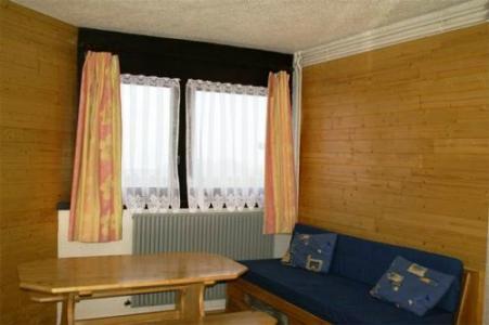 Location au ski Appartement 2 pièces cabine 6 personnes (standard) - Residences Prapoutel Les 7 Laux - Les 7 Laux - Fenêtre