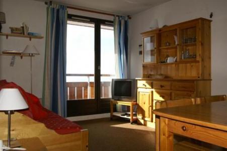 Location au ski Appartement 3 pièces 7 personnes (standard) - Residences Prapoutel Les 7 Laux - Les 7 Laux - Porte-fenêtre donnant sur balcon