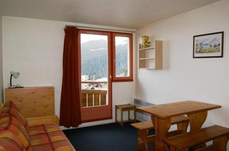 Location au ski Studio 3 personnes (standard) - Residences Prapoutel Les 7 Laux - Les 7 Laux - Porte-fenêtre donnant sur balcon