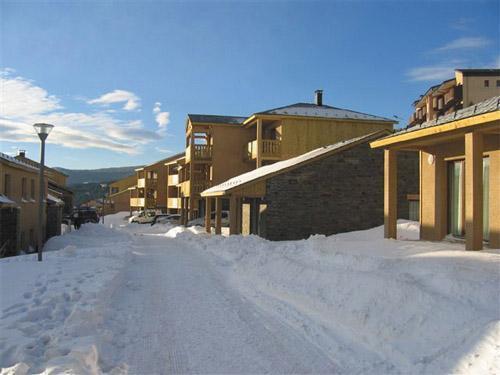 Location au ski Residence Le Clos Des Fontaneilles - Les Angles - Extérieur hiver