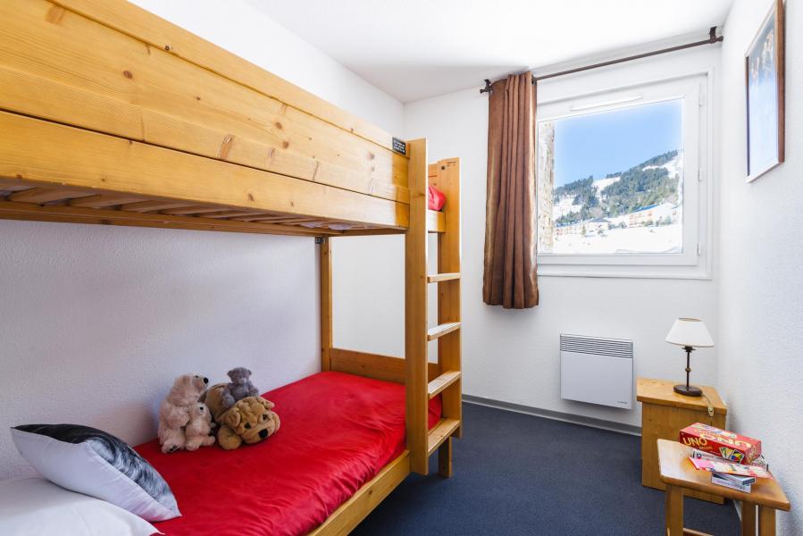 Rent in ski resort Résidence Lagrange l'Orée des Cimes - Les Angles - Bunk beds