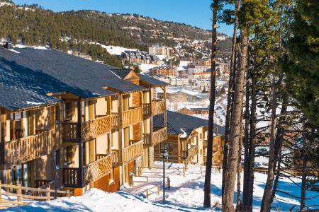 Rent in ski resort Résidence Lagrange Prat de Lis - Les Angles - Winter outside