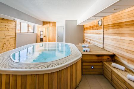 Location au ski Résidence Lagrange Prat de Lis - Les Angles - Jacuzzi
