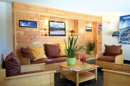 Rent in ski resort Résidence Lagrange Prat de Lis - Les Angles - Living room