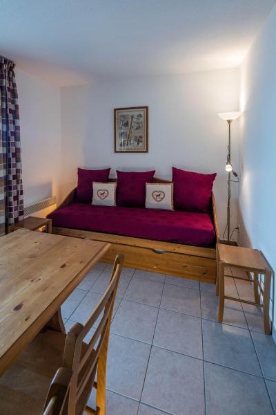 Rent in ski resort Résidence le Clos des Fontaneilles - Les Angles - Living area