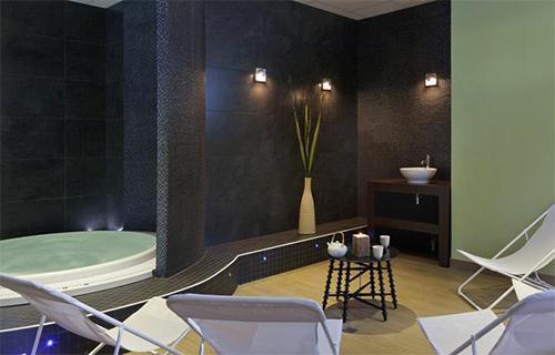 Location au ski Hotel Club Mmv Altitude - Les Arcs - Jacuzzi