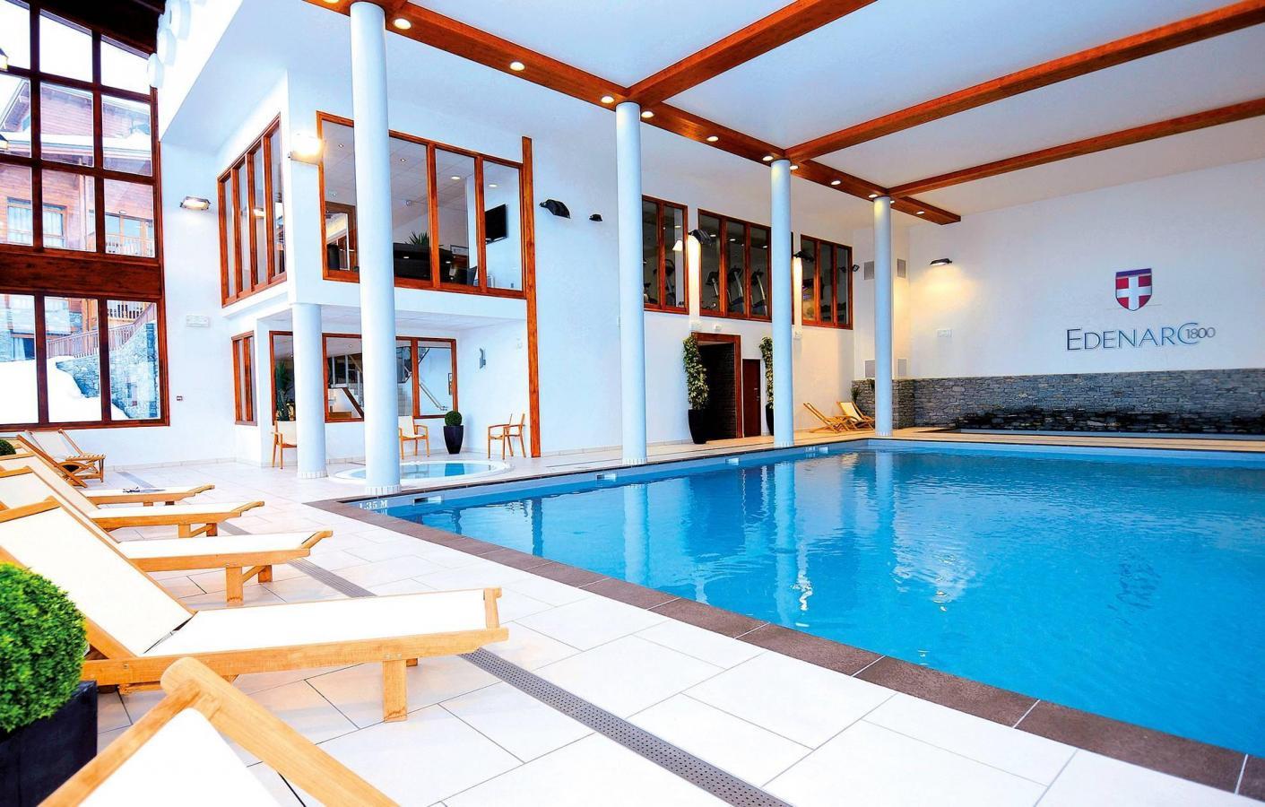 R sidence edenarc 20 les arcs location vacances ski for Residence piscine couverte