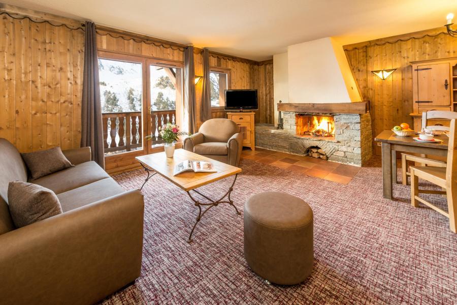 Location au ski Appartement 3 pièces 4-6 personnes - Chalet Altitude - Les Arcs - Cheminée
