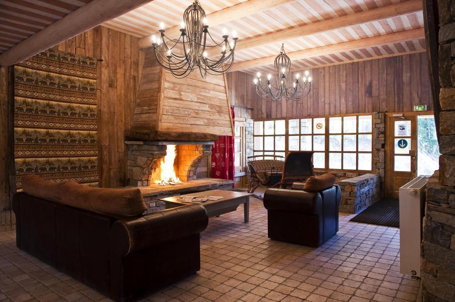 Alquiler al esquí Chalet de l'Ours - Les Arcs - Chimenea