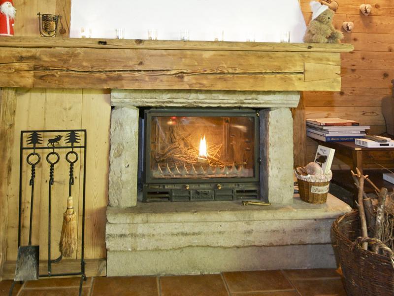 Rent in ski resort Chalet Deux Têtes I - Les Arcs - Fireplace
