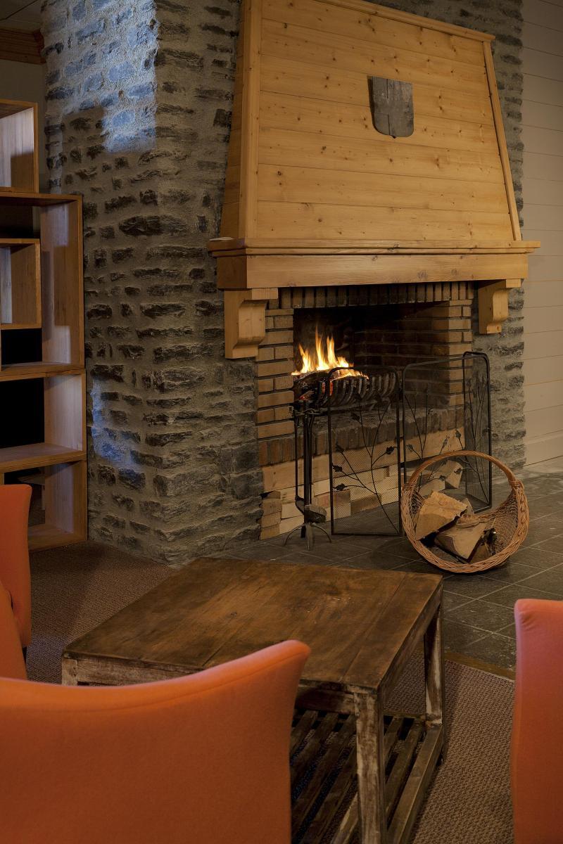 Location au ski Hotel Club Mmv Altitude - Les Arcs - Cheminée