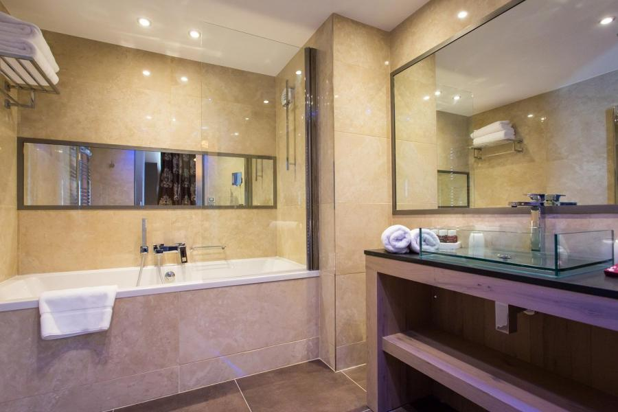 Skiverleih Hôtel Taj-I Mah - Les Arcs - Badewanne