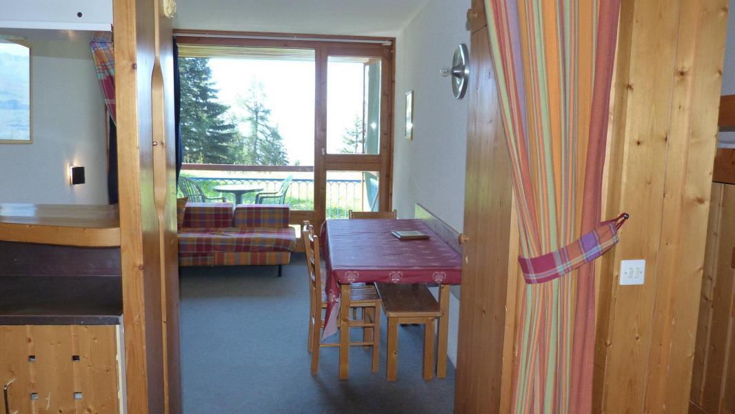 Location au ski Appartement 2 pièces 5 personnes (001) - Residence Bequi-Rouge - Les Arcs - Table