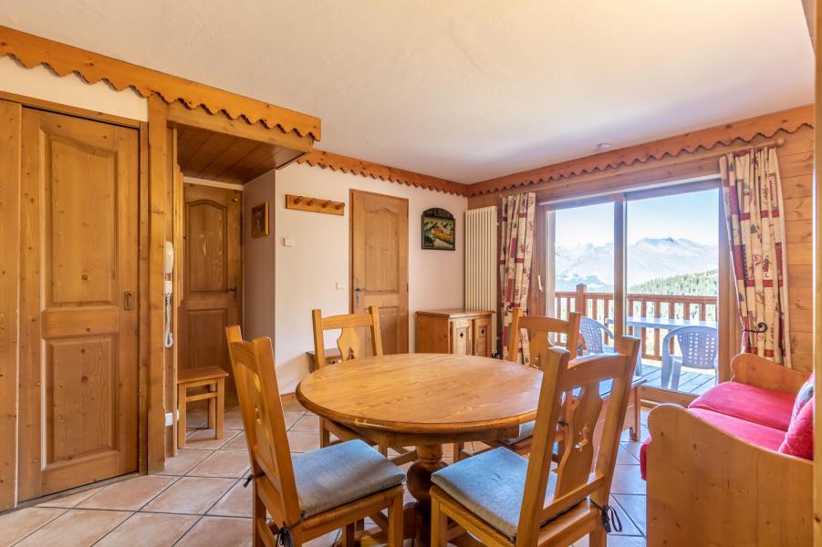 Wynajem na narty Apartament 3 pokojowy 4 osób (B41) - Résidence le Roselend - Les Arcs - Stołem