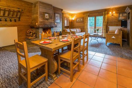 Location au ski Appartement 4 pièces 6-8 personnes - Chalet de l'Ours - Les Arcs - Salle à manger
