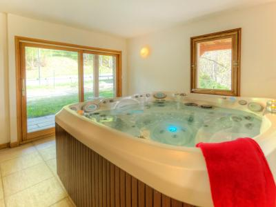 Rent in ski resort Chalet des Arcs CED01 - Les Arcs - Jacuzzi