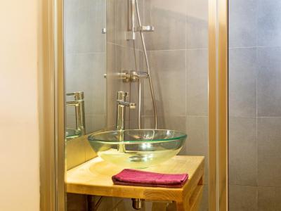 Rent in ski resort Chalet des Arcs CED01 - Les Arcs - Wash-hand basin