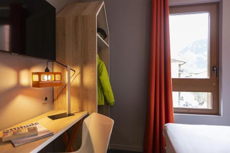 Rent in ski resort Hôtel Base Camp Lodge - Les Arcs - Deskroom