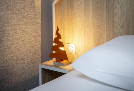 Rent in ski resort Suite 1-2 people (ISERAN) - Hôtel Base Camp Lodge - Les Arcs - Double bed