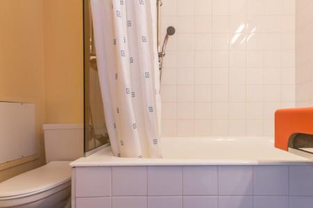 Rent in ski resort Studio sleeping corner 4 people (407) - La Résidence les Lanchettes - Les Arcs - Bath-tub