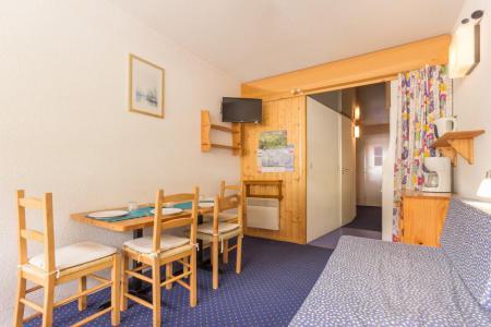 Rent in ski resort Studio sleeping corner 4 people (407) - La Résidence les Lanchettes - Les Arcs - Dining area