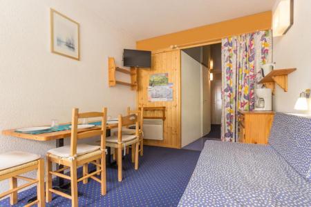 Rent in ski resort Studio sleeping corner 4 people (407) - La Résidence les Lanchettes - Les Arcs - Table