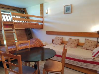 Location au ski Studio 2 personnes (541) - Residence Cascade - Les Arcs - Canapé