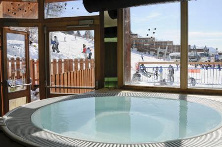Location au ski Résidence Lagrange le Roc Belle Face - Les Arcs - Jacuzzi