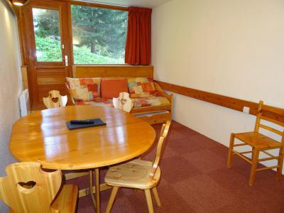 Location au ski Studio coin montagne 4 personnes (013) - Résidence Miravidi - Les Arcs - Table