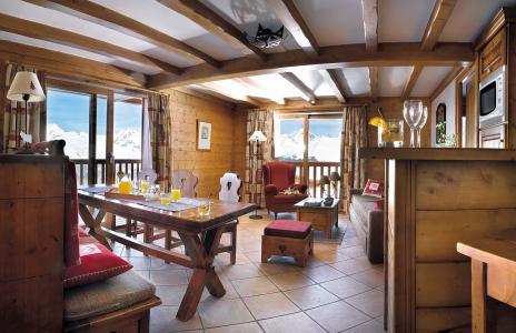 Rent in ski resort Résidence P&V Premium les Alpages de Chantel - Les Arcs - Living room