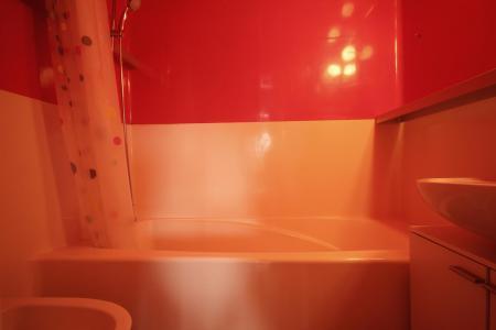 Location au ski Appartement 2 pièces 5 personnes (1012) - Résidence Tournavelles 2 - Les Arcs - Baignoire