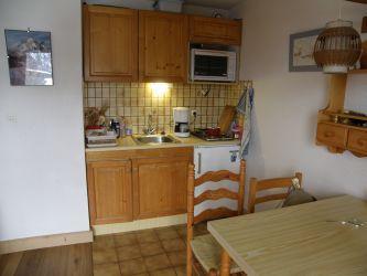 Location au ski Studio 4 personnes (R13) - Residence Edelweiss - Les Carroz
